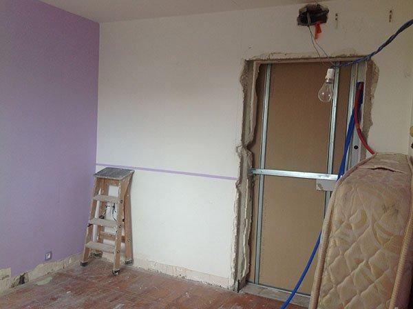 pose de papier peint rev tement mural autour de valence prestations lr peinture. Black Bedroom Furniture Sets. Home Design Ideas